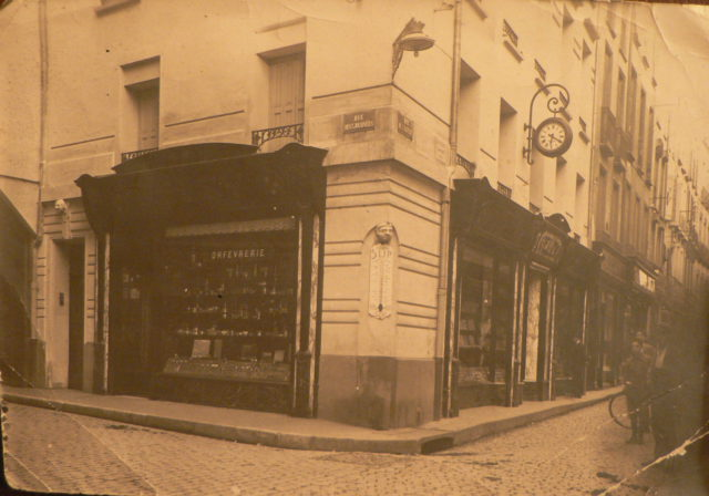 Perpignan, l immeuble Velzy en 1949.