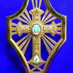 Croix de Mgr Patau dessin de Han Coll, réalisation Velzy.