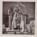 Vierge de Font-Romeu dans sa cadireta, cliché Goudin, années 1950.