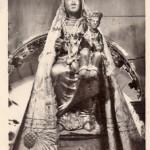 Vierge de Font-Romeu en manteau, cliché Goudin, années 1950.