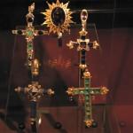 Croix pectorales à la cathédrale de Barcelone