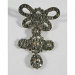 Croix en argent et son noeud double, vente aux enchères Saint Pair sur Mer 19 02 2011