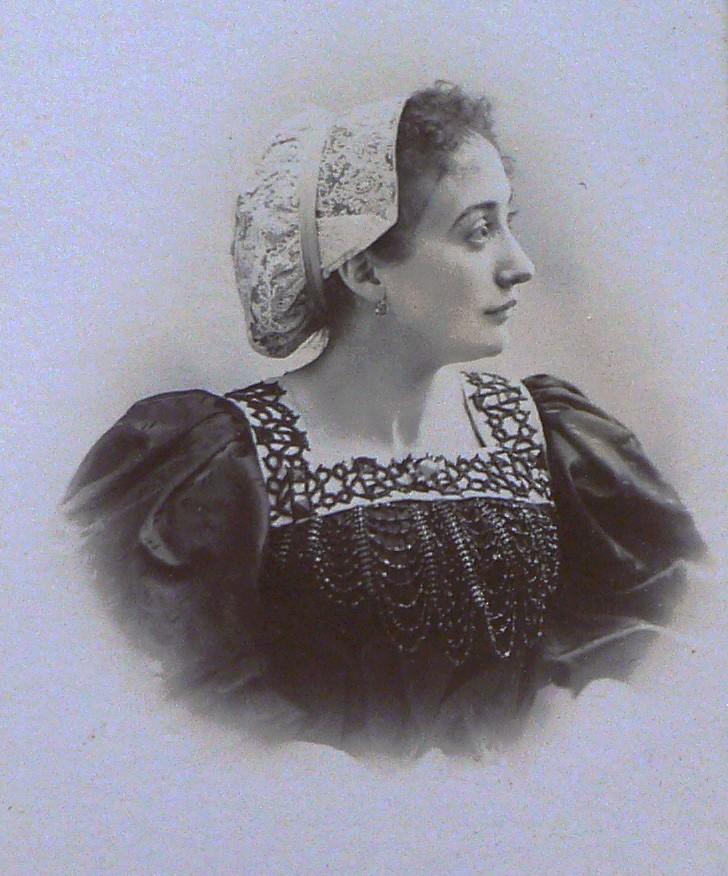 Portrait de Catalane, famille Campanaud, Perpignan, vers 1900