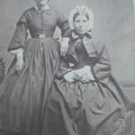 portrait de deux femmes, cliché Perraud, 77 rue de Rome à Marseille, vers 1865.