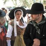 Les femmes des campagnes du Comtat Venaissin portaient des parures d'argent, moins chères et précieuses que celles que pouvaient porter les citadines. photo Laurent Fonquernie