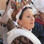 coiffe provençale et grenats de Perpignan font un excellent mariage