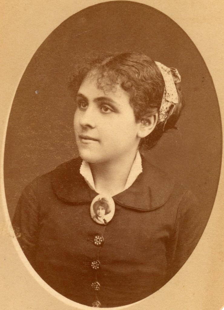 Portrait de femme, Roussillon, autour de 1880/1885.
