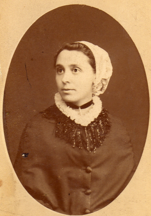 Catalane vers 1880, Perpignan.