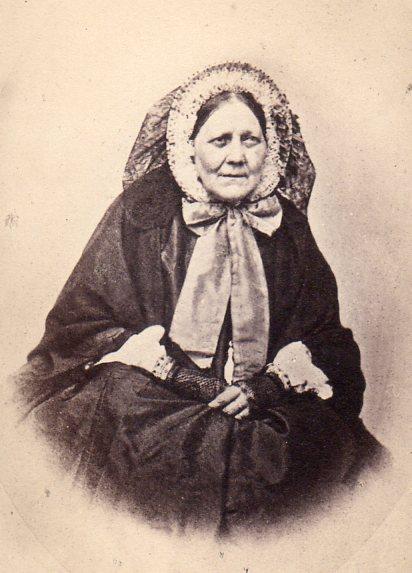 Portrait de femme agée, second empire, Perpignan.