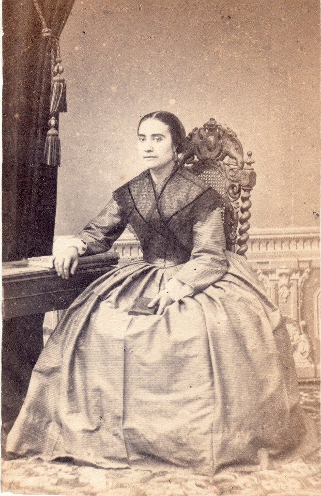 Portrait de femme, photo Cabibel, Perpignan, vers 1865.