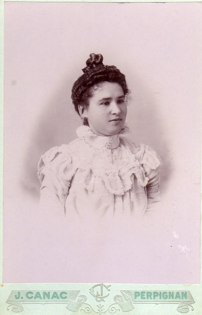 Portrait de femme, autour de 1900, Perpignan.