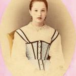 Photo retouchée de jeune fille, Roussillon, vers 1860.