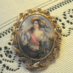Broche Napoléon III à miniature émaillée, Perpignan