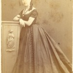 Portrait de femme en robe de bal, Perpignan, vers 1860