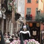 Misteris et foule aux balcons, Perpignan le Vendredi saint