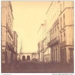 Rue de la République et porte st Martin à Perpignan