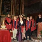 La XXIe reine d'Arles, Astrid Giraud, symbole des liens entre Catalans et Provençaux lors de la saint Eloi 2011.