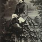 Antoinette Durand de çagarriga en crinoline