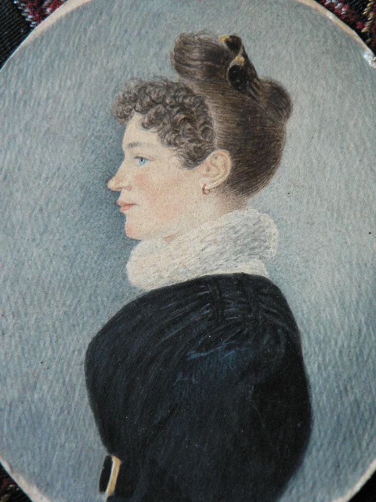 Portrait de femme au peigne, Perpignan, vers 1830-1840.