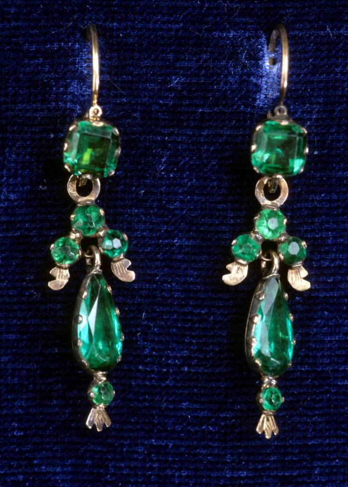 Boucles d'oreilles en doublet émeraude, Perpignan, XIXe s.