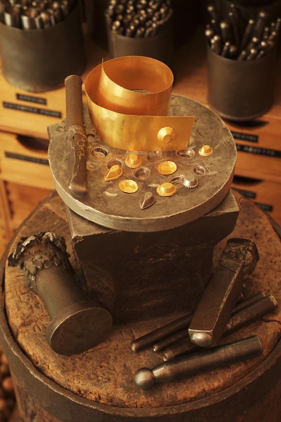 Outils d'estampage pour le GRENAT de PERPIGNAN, photo N.Hautemanière.