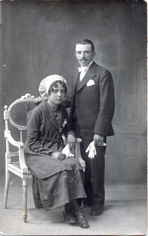 Mariage Joseph Olivé, Roussillon, vers 1925.