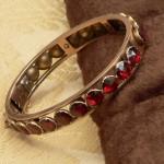 Bracelet rigide en or et Grenats taille Perpignan, années 1930.