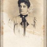 Roussillonnaise vers 1900
