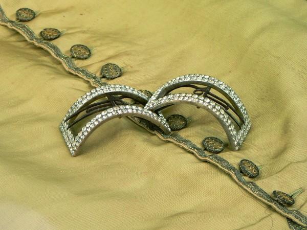boucles de souliers sur un gilet XVIIIe s.