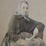 Dona en vestit popular, aprop del 1865, larauza, rambla del Centro, Barcelona.