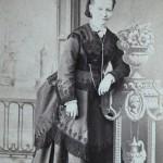 Vestit del 1875, Barcelona, fotografia Larauza.