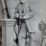 Traje de cuitat, cap al 1870, L.Sala, carrer Raurich, 5.
