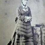 Retrat de pubilla, foto Larauza, Barcelona, al entorn de 1875.