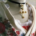 Musee provencal du costume et du bijou: croix capucine de Provence