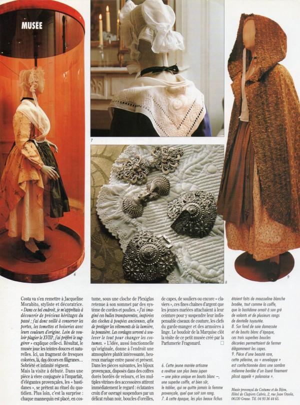 Costumes et bijoux sont indissociables