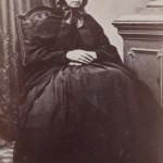 femme agée à Carcassonne
