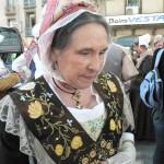 Provençale arlesienne à la croix maltaise