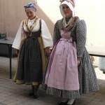 Deux danseuses du groupe Guingoi