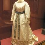 exposition ICONE DE MODE Lyon, robe de la Vierge de Perpignan, XIXe s.