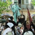 Statue de Frédéric Mistral, place du Forum en Arles