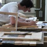 futur artisan dans le métier du bois