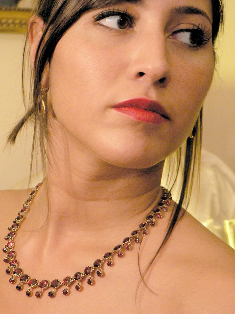Parure collier et boucles d'oreilles en Grenat taille Perpignan