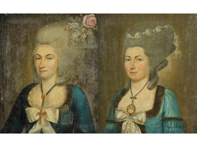 Deux portraits de femmes d'époque Louis XVI