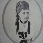 Portrait de jeune femme, photo Larauza, Barcelona, vers 1875-1880.