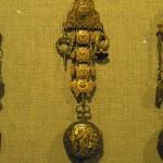 Chatelaine et sa montre, XVIIIe s. Musée Marès, BCN.
