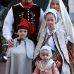 Famille roussillonnaise en costumes de la fin du 18e s.