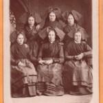 Vers 1870, Alsaciennes, portrait de groupe.