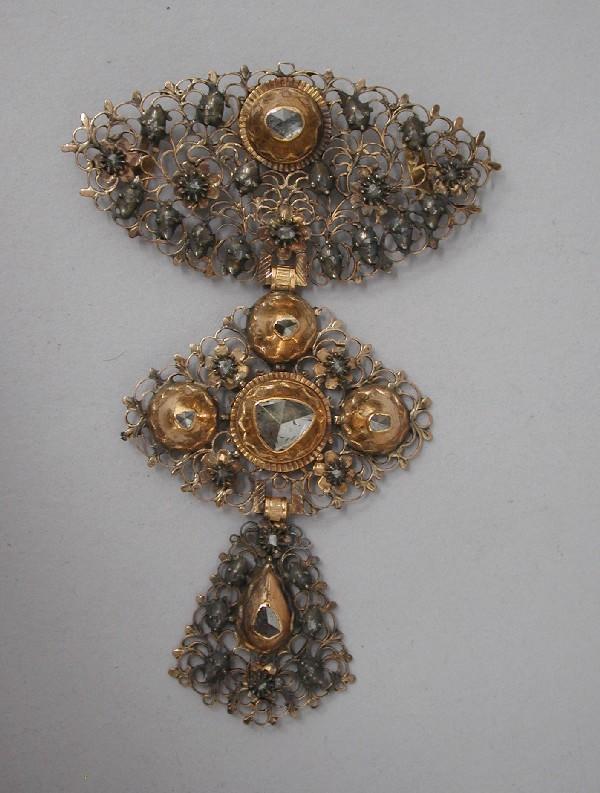 Croix du Brabant, Musée des Arts Déco, Paris.