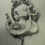 """Pendentif """"bretonne"""" par Vever, 1901, Paris."""