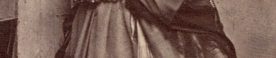 Catalane en crinoline, cliché Alphonse Canavy, Perpignan.